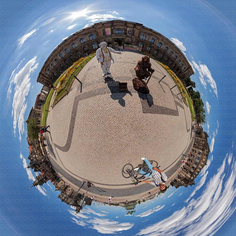 Panorama Dresden Vor der Semperoper_wm